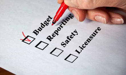 New Hire Checklist: 7 Must-Haves for Regulatory Compliance Training